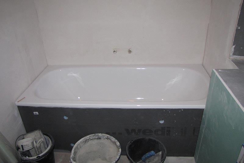 sanierung badezimmer: wand neu verputzen wände amp streichen, Badezimmer